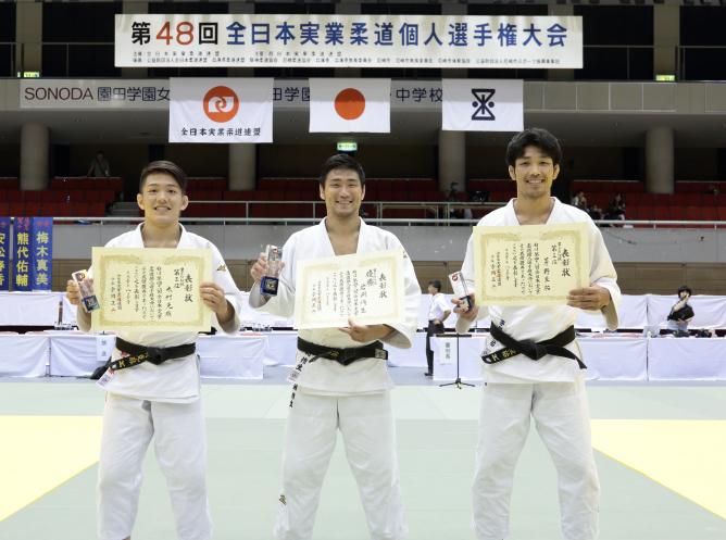 左から米村選手、岩渕選手、茅野選手